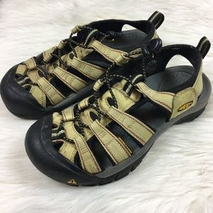 Shoes - Keen sandals size 6.5